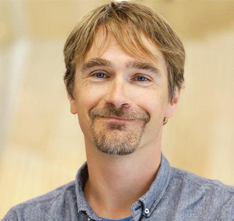Professor Lars Coenon headshot