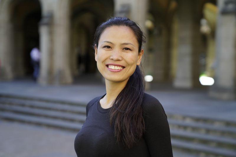 Dr Julie Miao