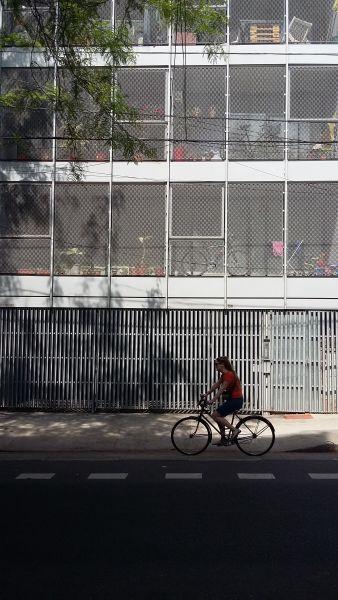 Trienta y Tres Orientales 138 Building. Marcelo Faiden