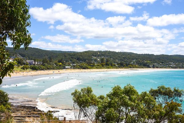 Image depicts the beachfront at Lorne